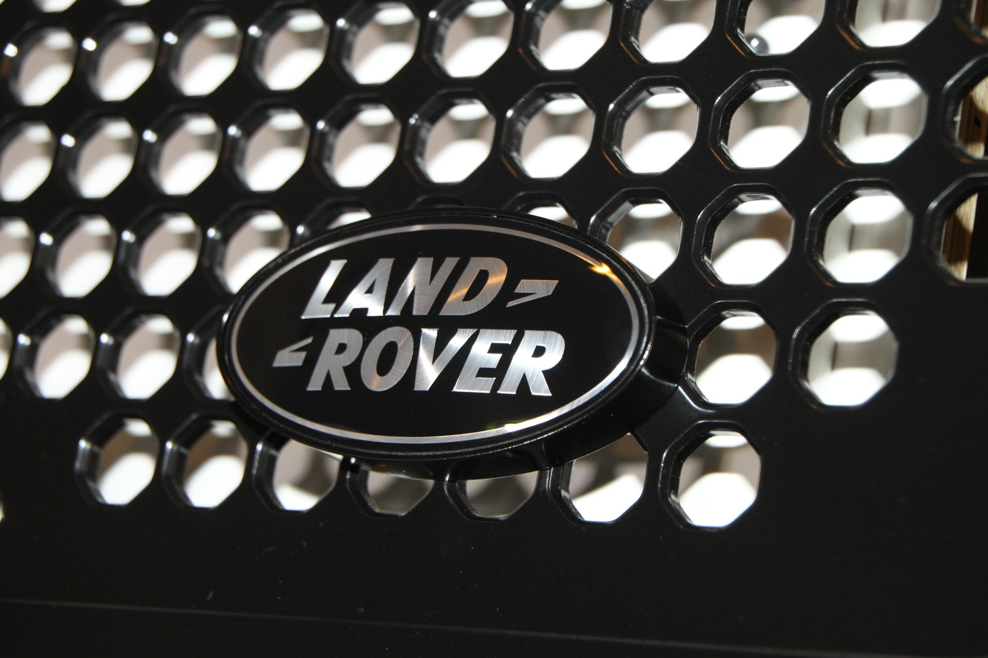 "Aluminum Grille Badge Mount (Bolt-On with ""Land Rover"" black & silver emblem)"
