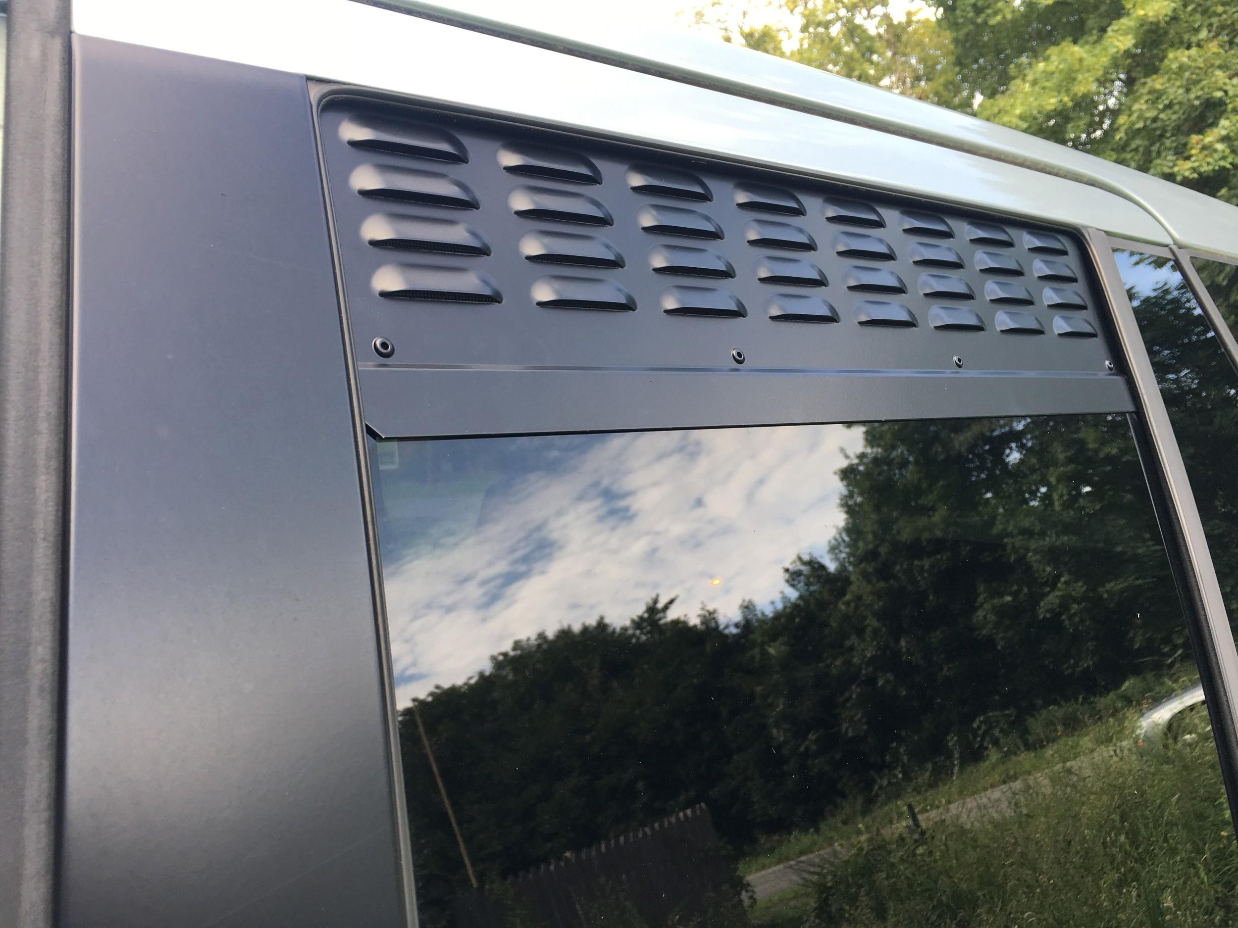 Range Rover Sport (2006-2013) 2nd Row Doors Window Vents (set of 2)