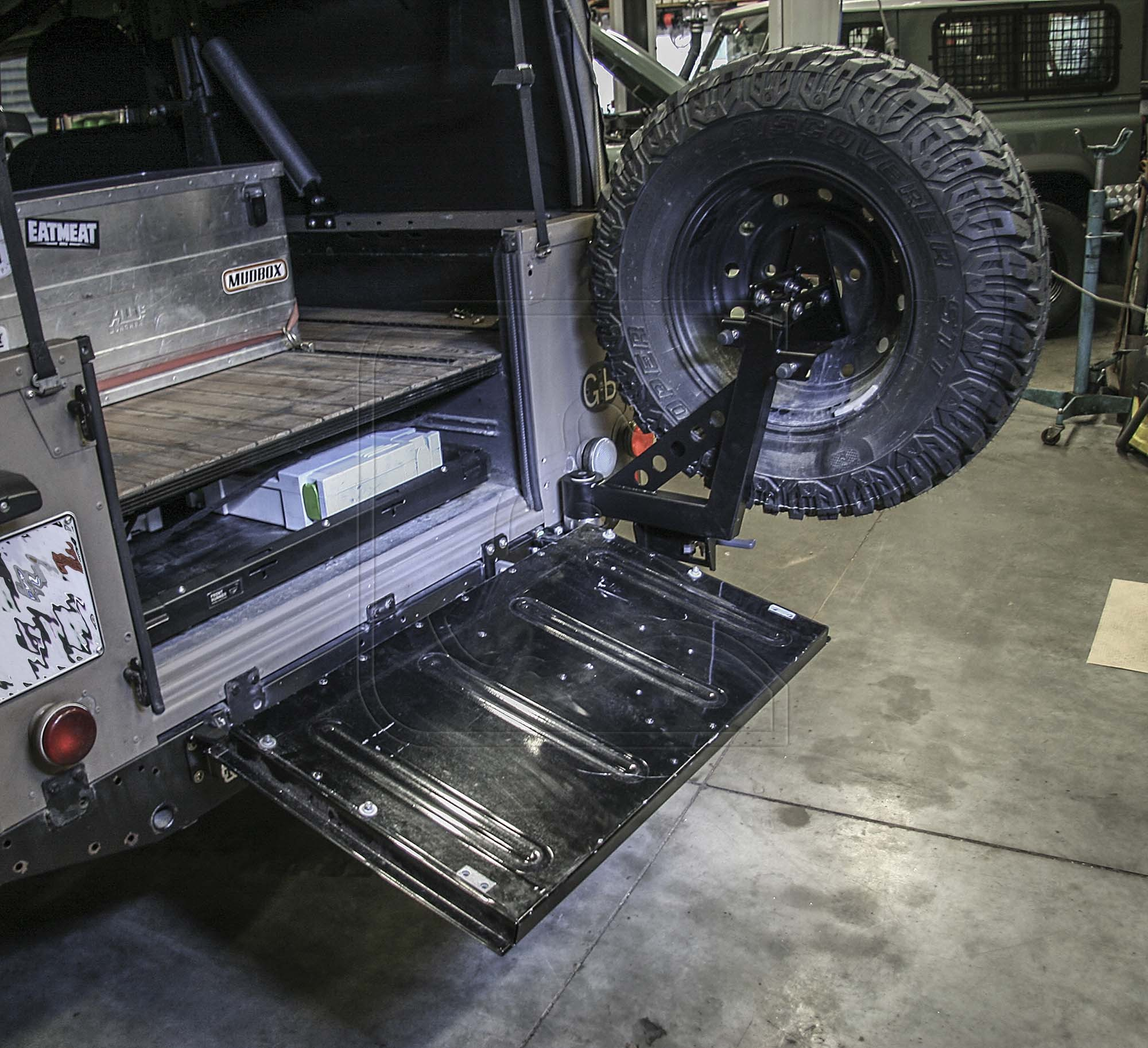 Defender Stainless Steel Spare Tire Carrier for Pickup / Soft-Top [***6-8 WEEK LEAD-TIME***]